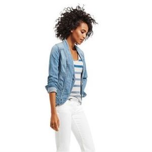 {CAbi} Exclusive Jeanie Crop Denim Jacket Tailored